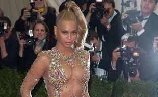 Beyoncé au gala du MET à New York, le 5 mai 2015.