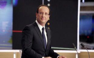 Finalement, après réflexion, François Hollande a décidé de... revenir sur l'un des engagements de sa campagne électorale: il accordera le 14 juillet un entretien télévisé en direct depuis le palais de l'Élysée, après le défilé militaire.