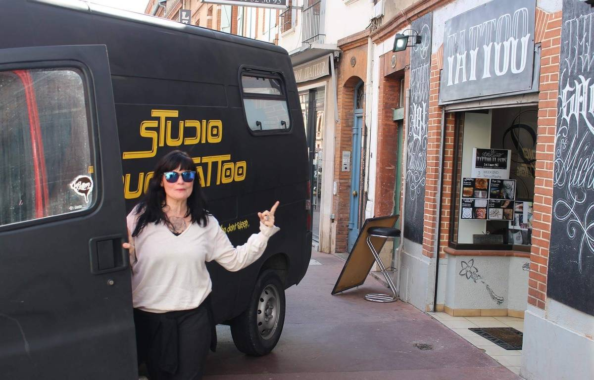 Pascale Roget lance son truck tatoo à Toulouse. – P. Roget