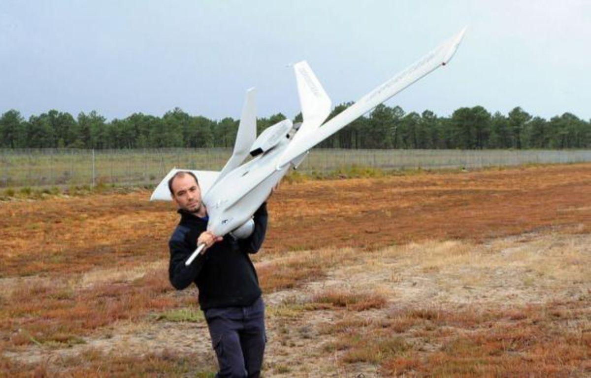 Le marché militaire et civil des drones est promis à une forte expansion se chiffrant à des dizaines de milliards d'euros, selon les industriels présents sur le salon UAV Show Europe consacré à ces avions sans pilote, ouvert mercredi pour deux jours à Bordeaux. –