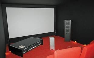 Voir et sentir un film avec la table ou l'enceinte Odoravision.