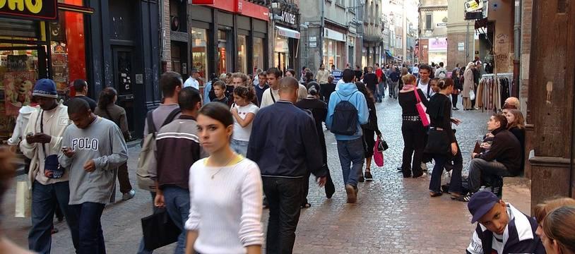 Des Toulousains qui font du shopping. Illustration.