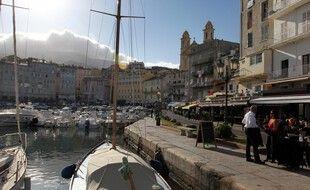 Le port du masque dans les espaces denses est désormais obligatoire à Bastia.