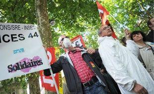 La manifestation, qui s'est déroulée hier midi, avait pour but d'interpeller le préfet.