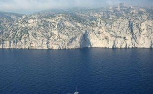 Vue aérienne du 30 juin 2015 du parc national des Calanques à Marseille