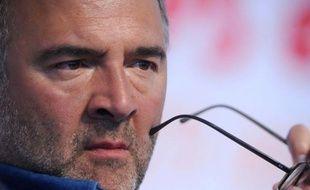 """Le député PS Pierre Moscovici, candidat aux primaires, qui s'est abstenu mardi lors du vote du Conseil national sur l'égalité réelle, exprimant ses """"réserves"""", se défend de tout """"positionnement"""" et n'accepte """"ni les faux procès"""", ni """"les leçons hypocrites""""."""