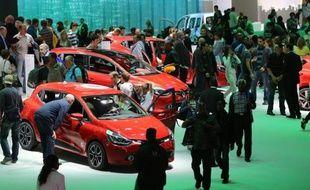 Les immatriculations de voitures neuves ont poursuivi leur plongeon en septembre en France, ce qui a poussé lundi le Comité des constructeurs français d'automobiles (CCFA) à abaisser sa prévision pour l'année à -12%.