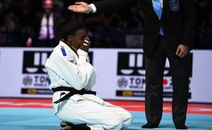 Madeleine Malonga remporte sa première médaille mondiale.