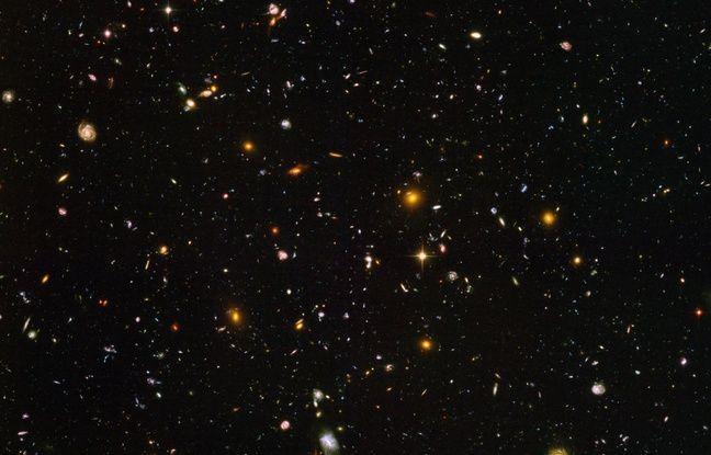 L'Univers profond et les milliards de galaxies qui s'y trouvent captés par le télescope Hubble.