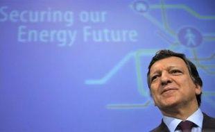 A la veille d'un sommet UE-Russie, Bruxelles a dévoilé jeudi une stratégie détaillée de diversification de ses fournisseurs énergétiques, confirmant sa méfiance vis à vis de son grand partenaire russe pour le gaz et le pétrole.