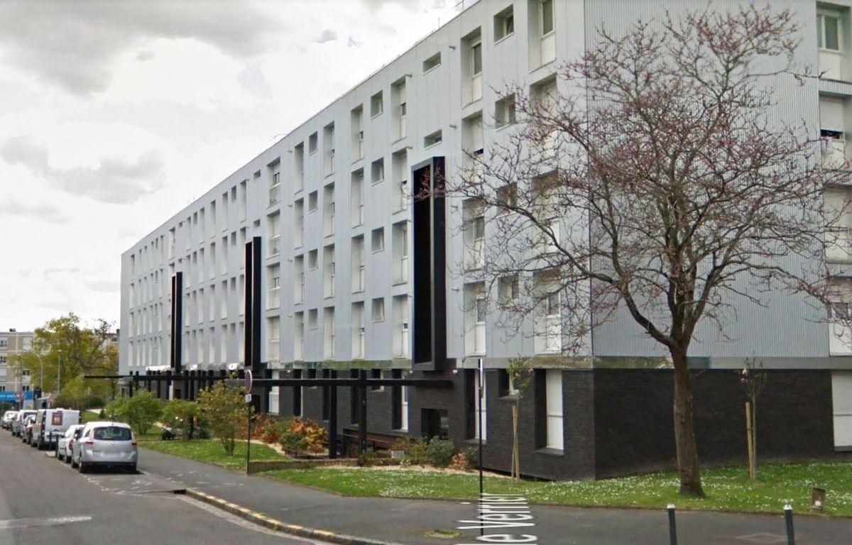 Nantes seule dans l 39 appartement la fillette se trouvait for Fenetre nantes