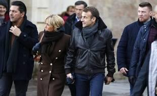 Ici à Honfleur le 1er novembre, Emmanuel Macron est attendu avec sa femme à la cathédrale de Strasbourg ce dimanche soir. Illustration