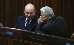 Naftali Bennett et Yaïr Lapid pourraient se partager le poste de premier ministre les quatre prochaines années.