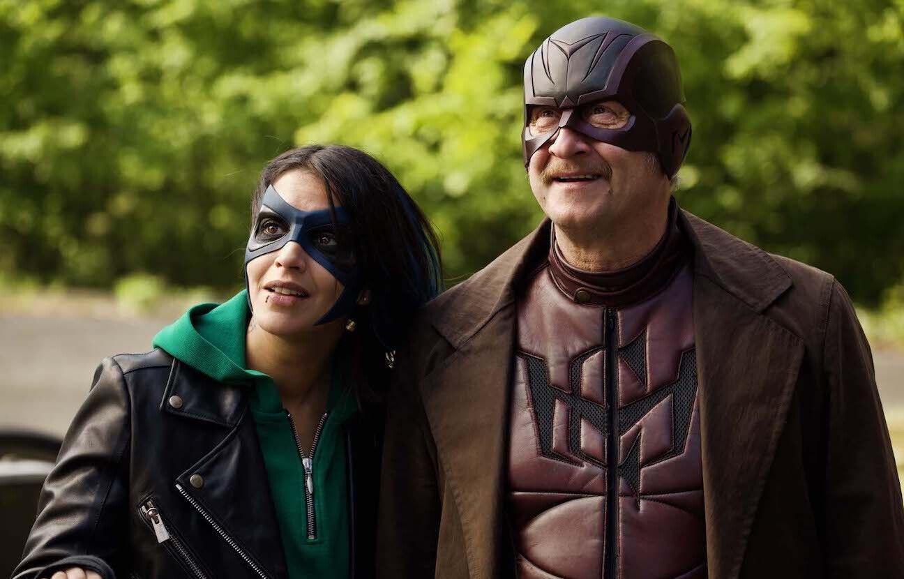 Leïla Bekhti et Benoît Poelvoorde jouent aux super-héros dans « Comment je suis devenu super-héros », le 9 juillet prochain sur Netflix