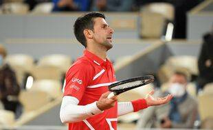 Novak Djokovic lors de son 8e de finale contre Khachanov à Roland-Garros, le 5 octobre 2020.