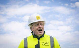 Lors d'une visite sur un champ d'éoliennes en 2cosse, Boris Johnson a loué la fermeture des mines de charbon sous Thatcher.