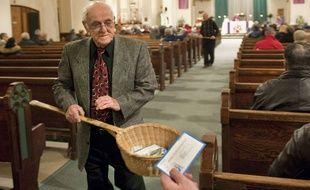 Illustration: un homme fait la quête à l'église.