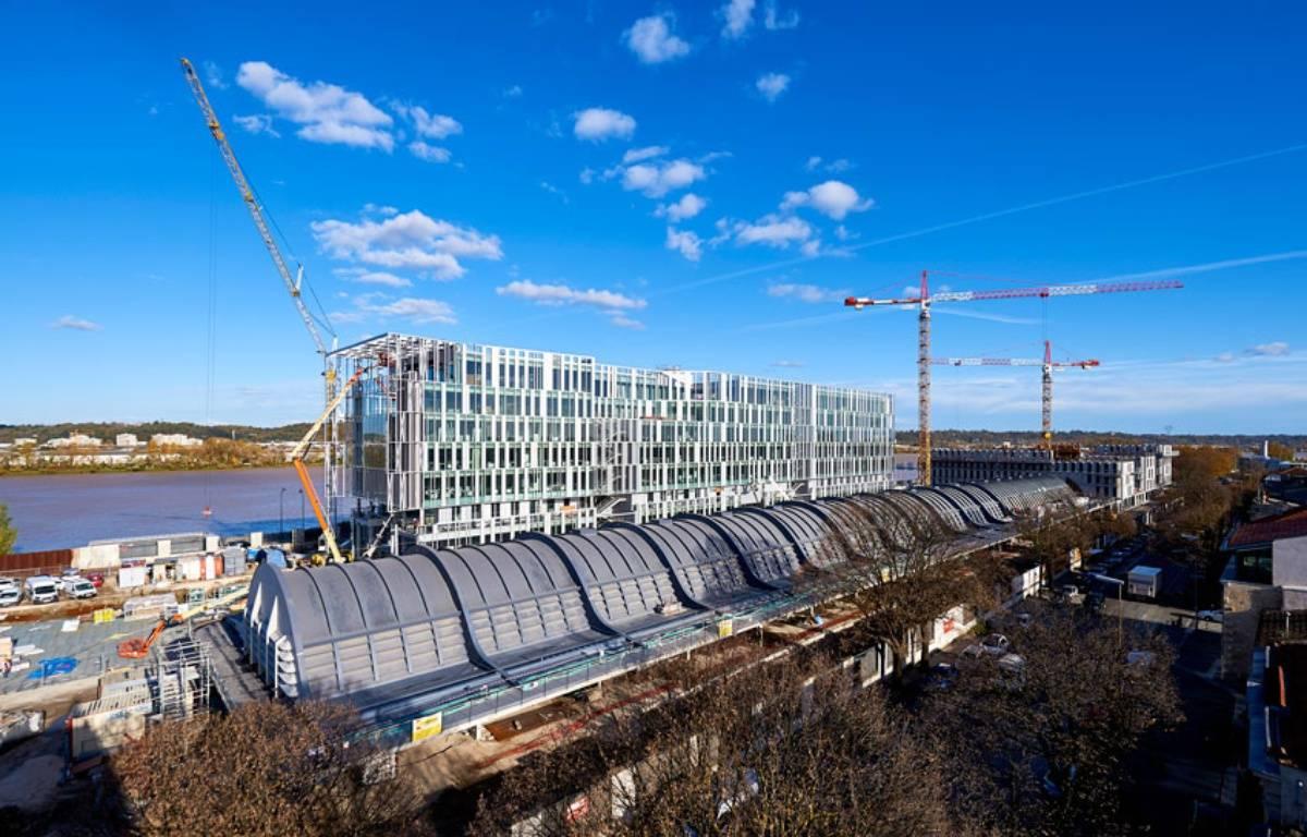 Travaux de construction du nouveau siège de la Caisse d'Epargne Aquitaine-Poitou-Charentes – Philippe CAUMES / CEAPC
