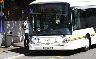Le nouveau bus Lineo de Tisseo, ici la ligne 16. Toulouse, FRANCE-02/09/72