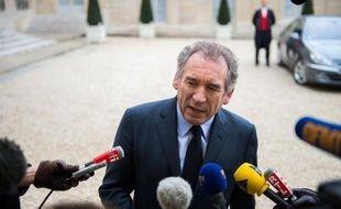 """François Bayrou (MoDem) a appelé le gouvernement à mettre en place """"une politique d'urgence"""" après l'annonce d'une nouvelle hausse en janvier du nombre de chômeurs, estimant nécessaires des """"mesures radicales"""" pour favoriser """"la création de richesses et d'emplois""""."""