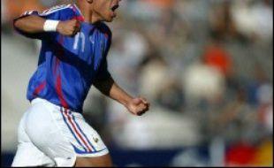 Le sélectionneur de l'équipe de France de football Raymond Domenech a convoqué pour la première fois chez les Bleus le Bordelais Julien Faubert, pour l'amical Bosnie-France le 16 août.