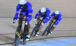 Grégory Baugé et l'équipe de France de vitesse par équipes le 11 août 2016 à Rio.