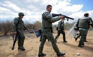 En 2013 déjà, 16 personnes avaient été tuées dans de violents affrontements entre détenus dans une prison de Maracaibo, dans l'Etat de Zulia (nord-est du Venezuela).
