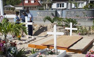 La tombe de Johnny Hallyday en préparation dans le cimetière de Lorient sur l'île de Saint-Barthélemy