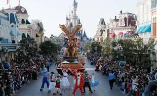 La grande parade à Disneyland Paris. (Illustration)