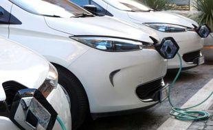 """Voitures électriuqes de la marque """"Zoe"""" du constructeur français Renault à Rome le 2 mars 2016"""