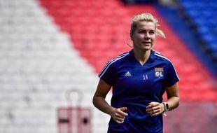 Ada Hegerberg, ici lors d'un entraînement de reprise, le 18 juin 2020 au Parc OL, vit une saison totalement blanche.