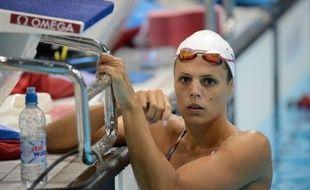"""Laure Manaudou, la plus grande nageuse française à ce jour, devenue à 17 ans la première championne olympique tricolore, trois fois championne du monde, va """"sans doute arrêter"""" sa carrière """"après les Championnats d'Europe"""" en petit bassin, en novembre, a-t-elle déclaré vendredi, citée par le quotidien Le Courrier Picard (nord)."""