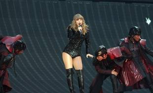 La chanteuse Taylor Swift en concert au stade de Wembley à Londres le 22 juin 2018
