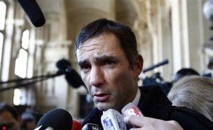 """Un témoin au procès en appel d'Yvan Colonna, commissaire de police en détachement qui fut haut fonctionnaire en Corse, a affirmé vendredi soir que deux hommes soupçonnés d'avoir participé à l'assassinat du préfet Erignac en 1998 étaient """"peut-être"""" en liberté."""