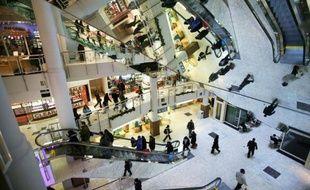Les ventes de détail ont fortement progressé aux Etats-Unis en octobre, apportant un nouveau signe d'amélioration de l'économie américaine après une succession d'indicateurs encourageants.