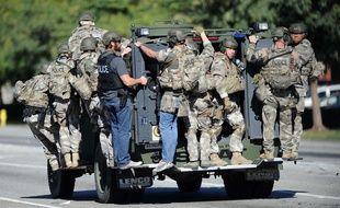 Des hommes du SWAT déployés sur le site de la fusillade, à San Bernardino ( Etats-Unis), le 2 décembre 2015.