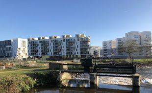 Des immeubles récemment livrés ici le long du canal Saint-Martin, à Rennes.