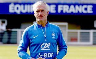Didier Deschamps risque de se faire des cheveux blancs pendant le tirage.