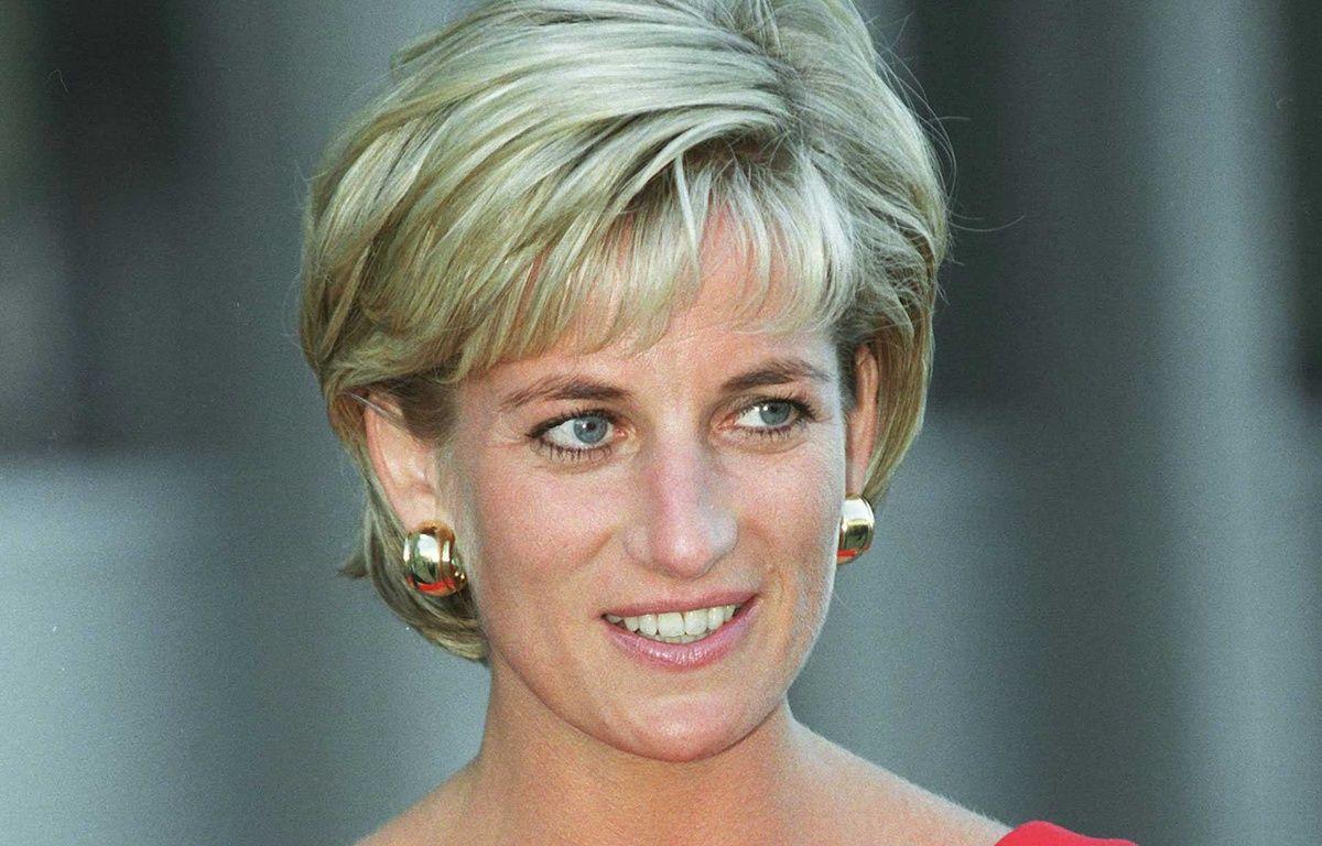 Diana, lors d'une visite à un centre pour enfants en Grande-Bretagne, le 21 juillet 1997. – CHERRUAULT/SIPA