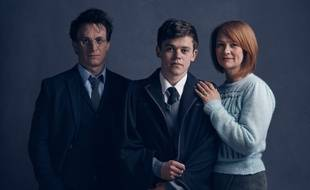 James Parker (Harry) , Poppy Miller (Ginny) et Sam Clemmett (Albus) dans la pièce