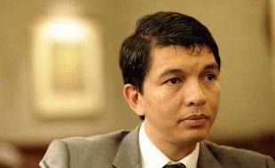 Le président de la Transition malgache Andry Rajoelina a indiqué dimanche qu'il avait proposé, en vain, de renoncer à se représenter à la prochaine présidentielle si son rival l'ancien président Marc Ravalomanana faisait de même.