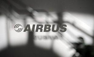 Le constructeur européen Airbus a annoncé lundi avoir été choisi par la Chine pour développer un carburant renouvelable destiné à l'aviation commerciale dans ce pays amenée à s'accroître fortement au cours des 20 prochaines années.