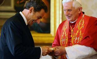 Nicolas Sarkozy a rendu visite au pape Benoît XVI au Vatican, vendredi 8 octobre 2010.