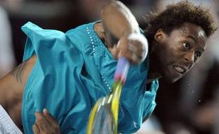Le tennisman Gaël Monfils, lors de son match à l'OPen de Moselle face à Richard Gasquet, le 26 septembre 2009.