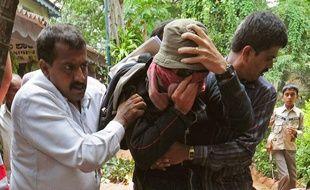 L'agent consulaire français accusé de viol sur sa fille de 3 ans et demi  lors de son transfert à l'hôpital Bowring, à Bangalore, en Inde, le 19  juin 2012.