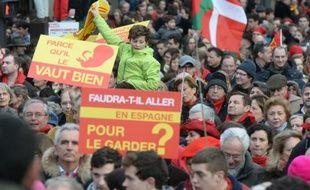 """""""Marche pour la vie"""", """"Jour de colère"""", """"Manif pour tous"""", la France des refus donne de la voix ces dernières semaines, réunissant des foules conséquentes et bigarrées où s'exprime souvent un rejet viscéral des élites ou d'une société dans laquelle elles ne se reconnaissent pas."""