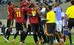 L'Angola a réussi une très belle opération dans l'optique de la qualification pour les quarts de finale de la CAN-2012 en s'imposant face au Burkina Faso (2-1), dimanche à Malabo (groupe B).