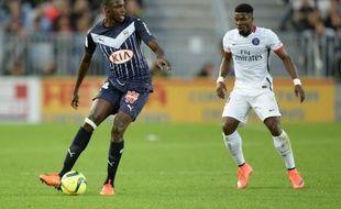 Cheick Diabaté, le désormais ex-attaquant des Girondins, lors d'une rencontre face au PSG, le 11 mai 2016 à Bordeaux. AFP PHOTO / NICOLAS TUCAT