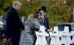 Donald et Melania Trump se recueillent à la mémoire des victimes de la tuerie de Pittsburgh, le 30 octobre 2018.