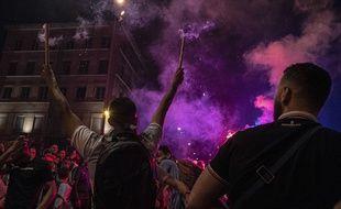 Scènes de liesse à Lyon après la victoire de l'Algérie en demi-finale de la CAN